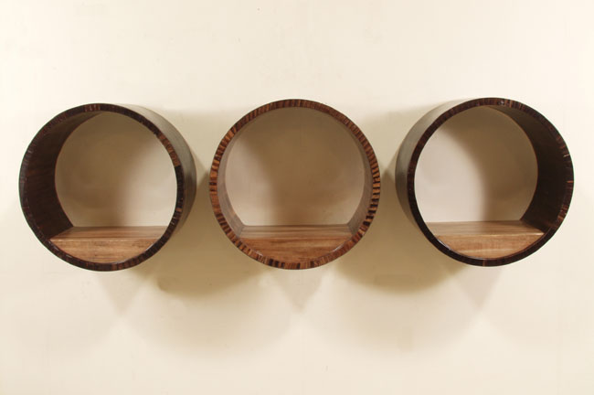 Wellington Round Wall Shelf, Dark Banana Bark with Honeycomb Finish
